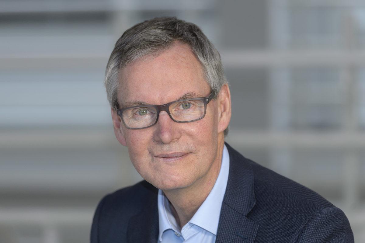 Prestigious US-American awards for Saarbrücken materials researcher Eduard Arzt