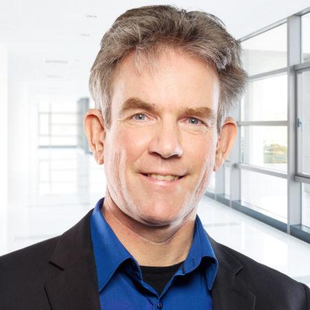 Professor Niels de Jonge was honored by the Microscopy Society of America 1